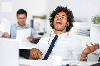 Ouvir música enquanto trabalha ou estuda é ruim?